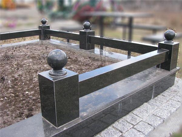 Комбинированные ограды на кладбище
