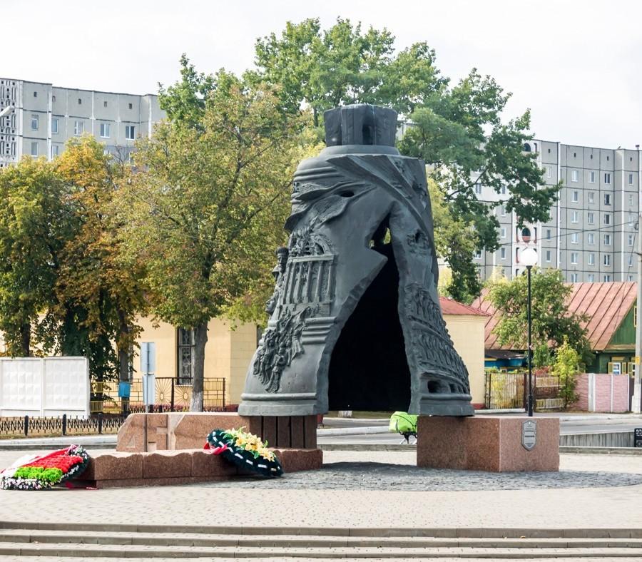 Памятники в Светлогорске: монумент «Молчащий колокол»