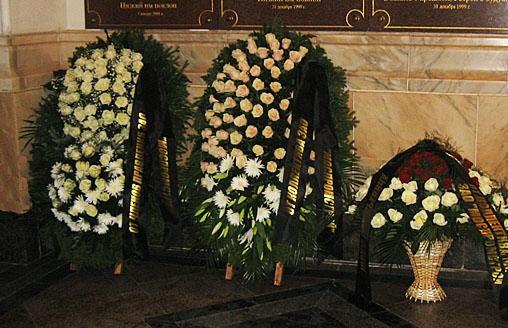 Что делать с венками после похорон