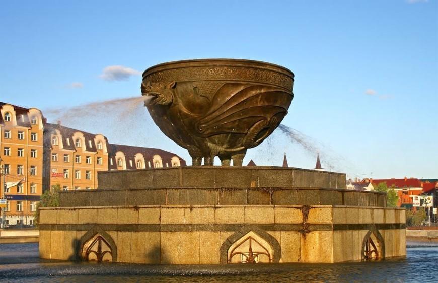 Чаша как элемент памятника
