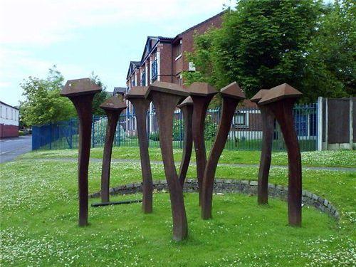 Памятники, которые поставили рабочим инструментам (часть 1)