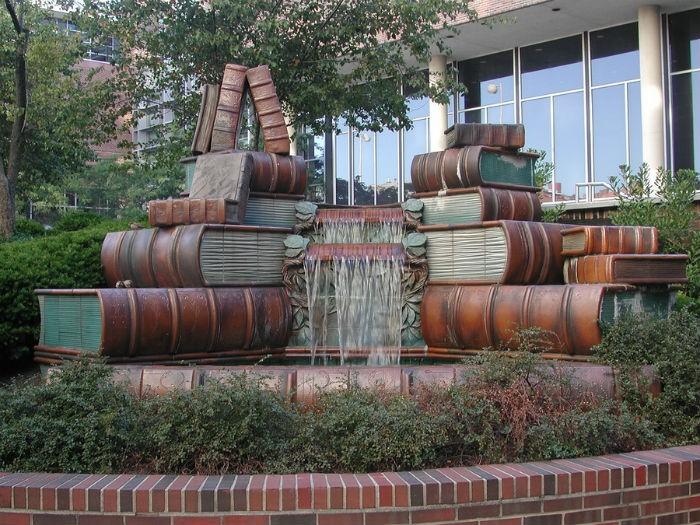 Книга как элемент памятника