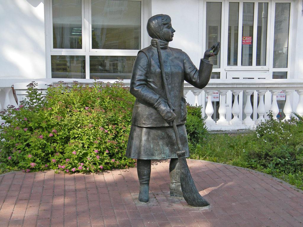Памятники, которые поставили представителям различных профессий